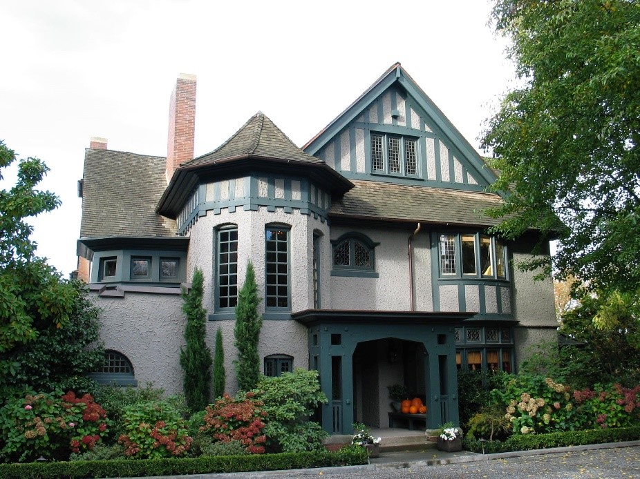 The vernacular English houses of Voysey and Baillie Scott were recalled in the Ferry house on Seattle's Capitol Hill