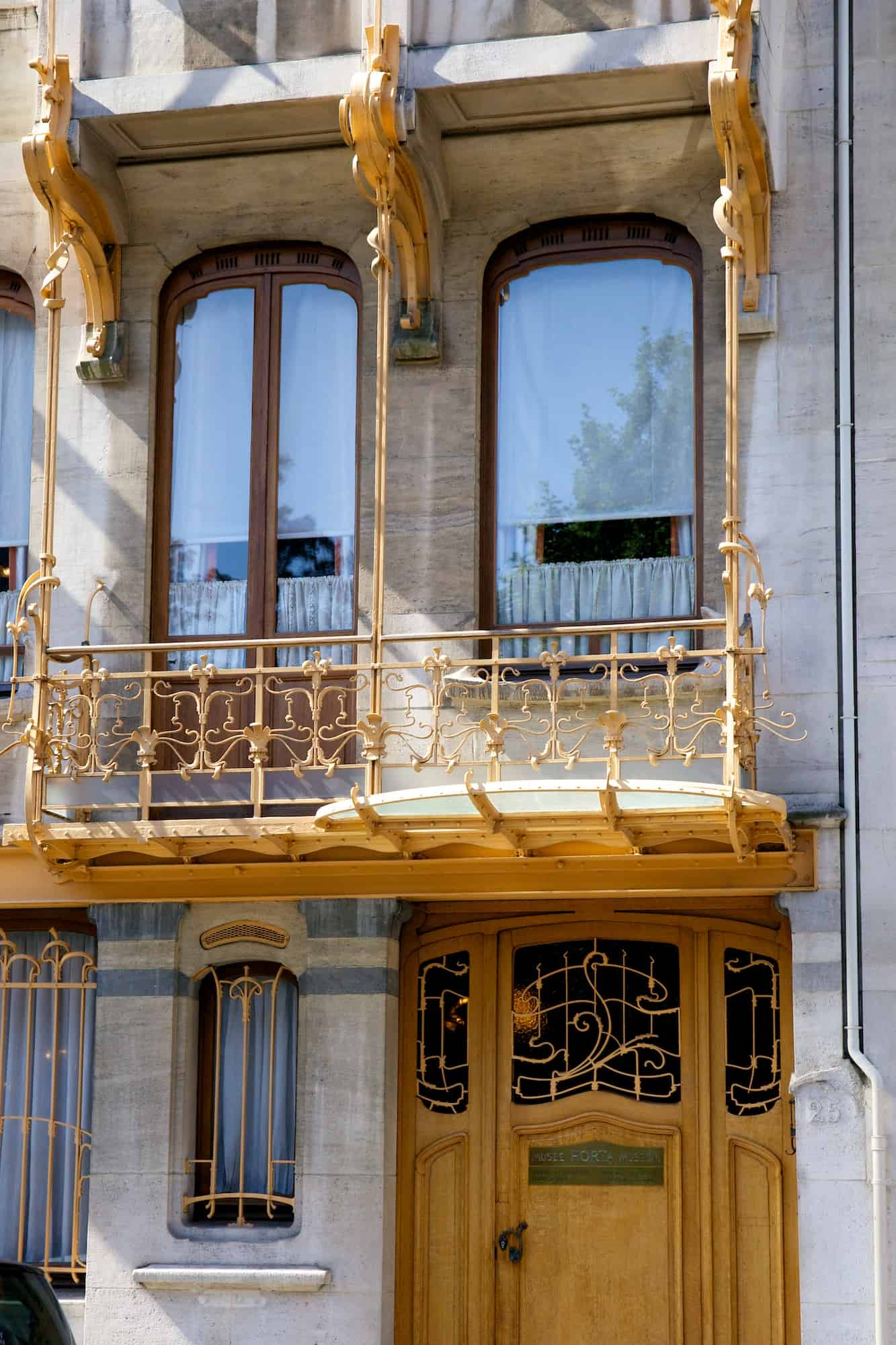 Victor Horta's House & Studio, front door and balcony